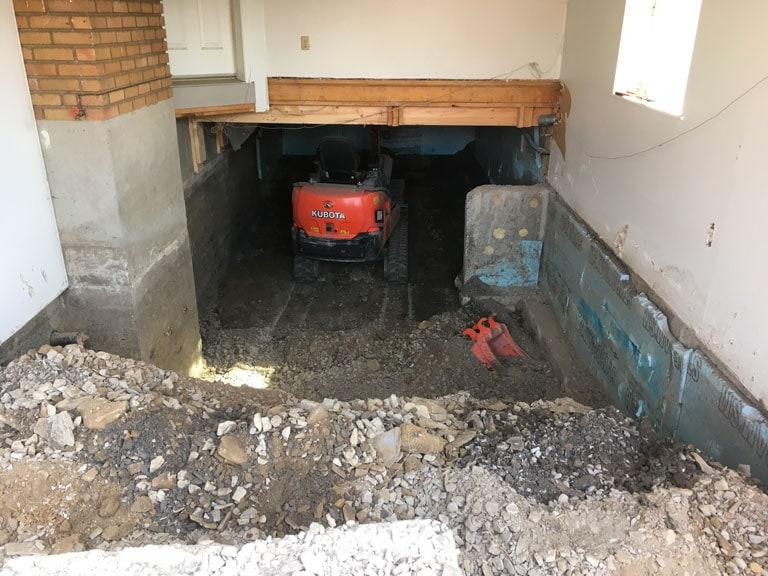 Mini-excavation pyrite en sous-oeuvre